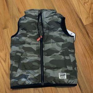 Osh kosh new camo vest 3t toddler